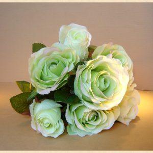Trandafiri albi-verzi